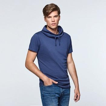 camiseta con cuello largo